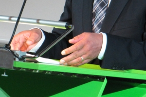 Didier Burkhalter ordnet sein Manuskript