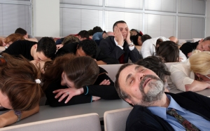 istock_bored_audience-795x497